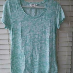 Vineyard vines women's Shark Tee shirt - Size S